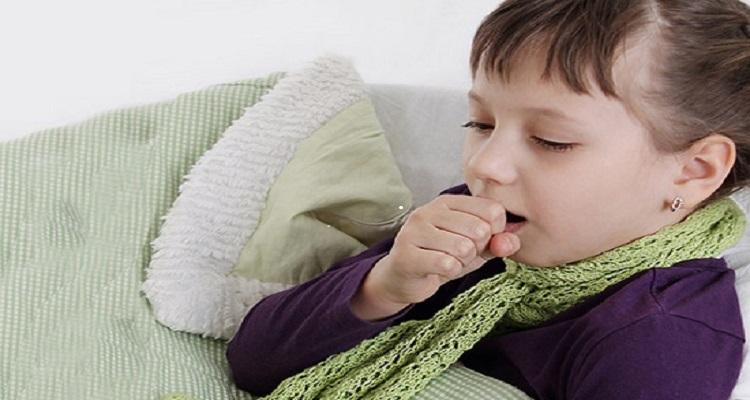 Hắt hơi, sổ mũi, ho khan là những triệu chứng thường gặp của bệnh cảm lạnh (Nguồn ảnh: Internet)