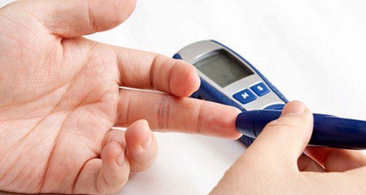 Chỉ quan tâm đến chỉ số đường huyết khiến biến chứng tiểu đường ngày càng nặng thêm. (Nguồn ảnh: Internet)