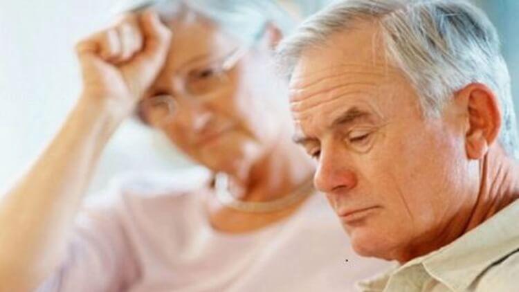 Rất nhiều người lớn tuổi mắc phải bệnh sa sút tâm thần.