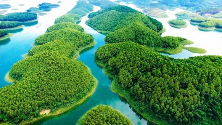 Vẻ đẹp kỳ ảo của hồ Thác Bà, Yên Bái.