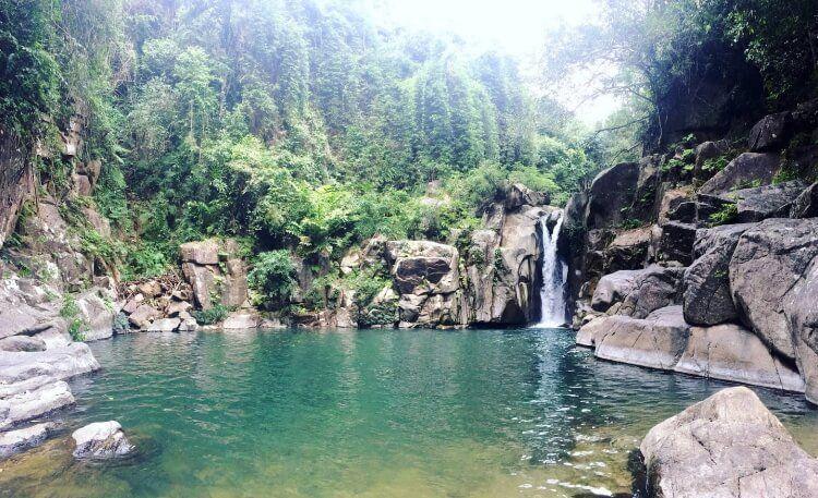 Ngâm mình trong suối nước nóng ở Bản Hốc cực kỳ tốt cho sức khỏe.