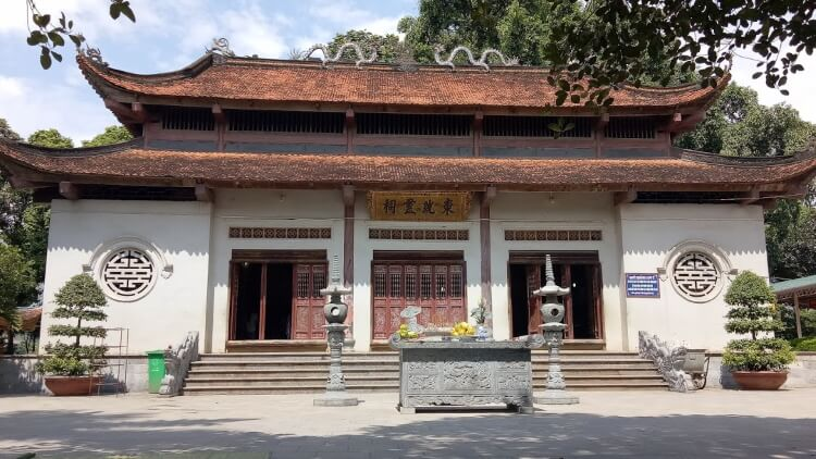 Đền Đông Cuông.