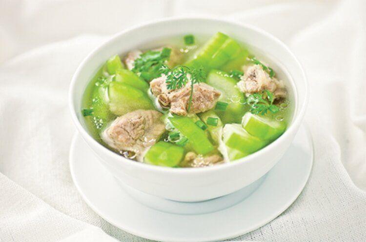 Món ăn xương khớp đơn giản, dễ làm với bí xanh và sườn lợn.