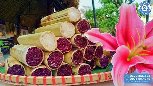 thưởng thức cơm lam tại Đại Phú An