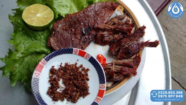 thưởng thức Thịt trâu gác bếp